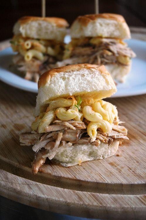 Pulled Pork Macaroni Cheese Sandwich