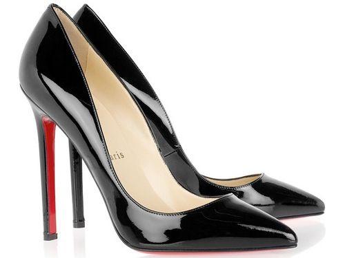 Louboutin stilettos negros!
