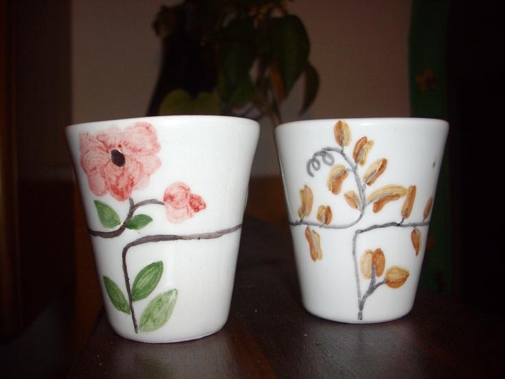 tazzine da caffè con fiori