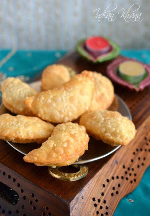 Sooji Gujiya | Gujiya (Karanji) Recipe | Diwali Sweets Recipes