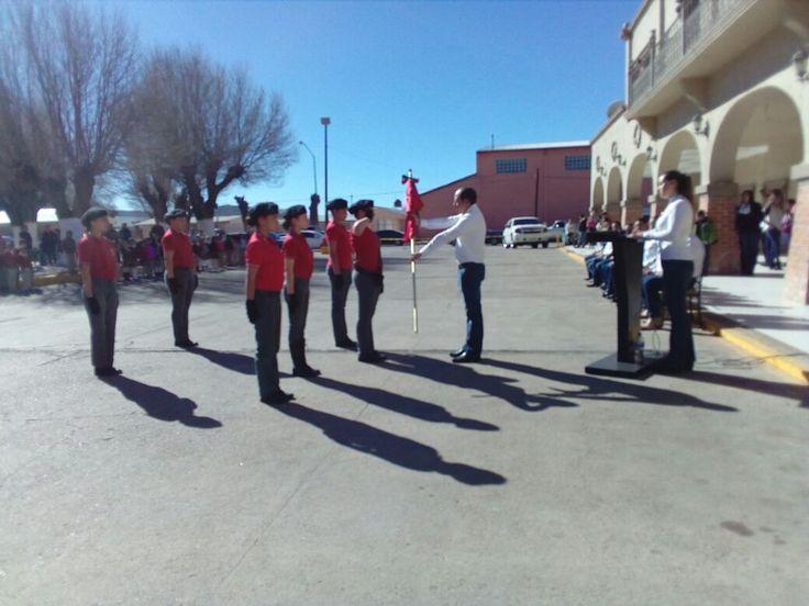 El pasado viernes se llevó a cabo el acto cívico conmemorativo al Día de la Bandera en la explanada de la presidencia municipal...