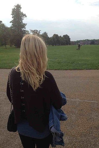 """""""'Whistler' jumper for a cheeky stroll in Hyde Park on my way too the National History Museum!"""""""