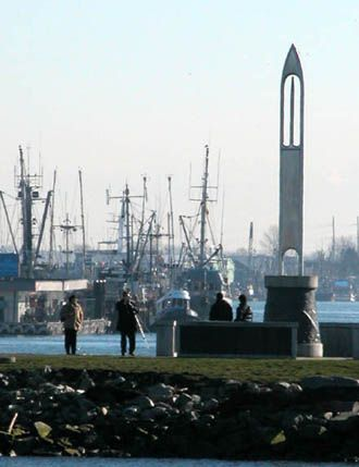 City of Richmond BC - Image: Garry Point Park - Fishermen's Needle and Steveston Harbour in background