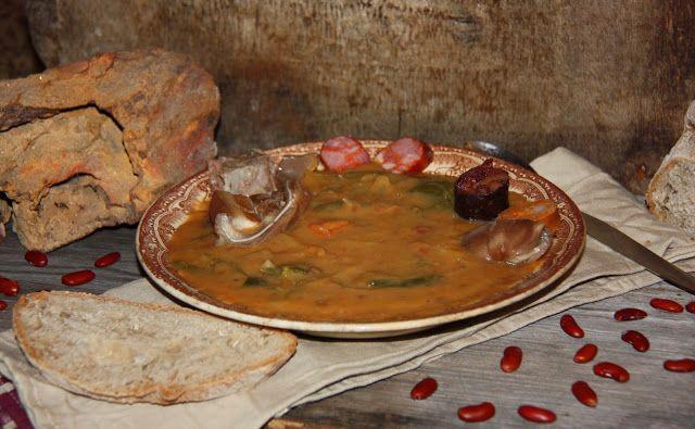 Tentações Sobre a Mesa -sopa de pedra