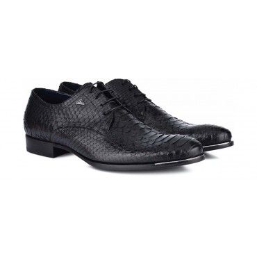 A sophisticated piece to add to your collection of #shoes.