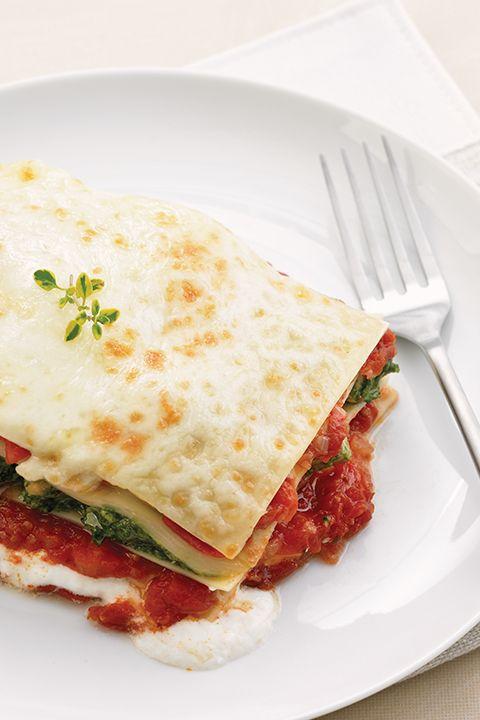 INGRÉDIENTS PAR SAPUTO   Régalez-vous avec cette recette italienne de lasagne au poulet, épinards et fromage Ricotta Saputo. À ajouter sans aucun doute sur la prochaine liste d'épicerie.