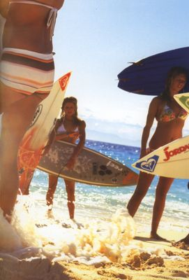 surfer girls: Beaches Bummin, Beaches Waves, Girls Roxy, Surfers Girls Sundancebeach, Surfing Girls, Girls Rules, Amazing Surfing, Surfing Beaches Style, Beaches Babes