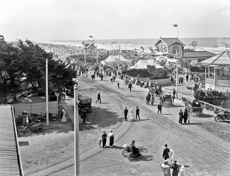 New Brighton Gala, Christchurch, 1915 looking north Steffano Webb