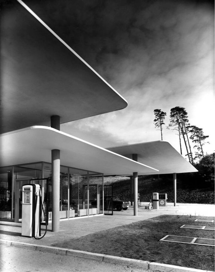 Highway Filling Station with Floating Roof 1953 | Blue Lake, Hannover, Germany | Photographer: Heinrich Heidersberge | Via: http://merde-petit-maitre.tumblr.com