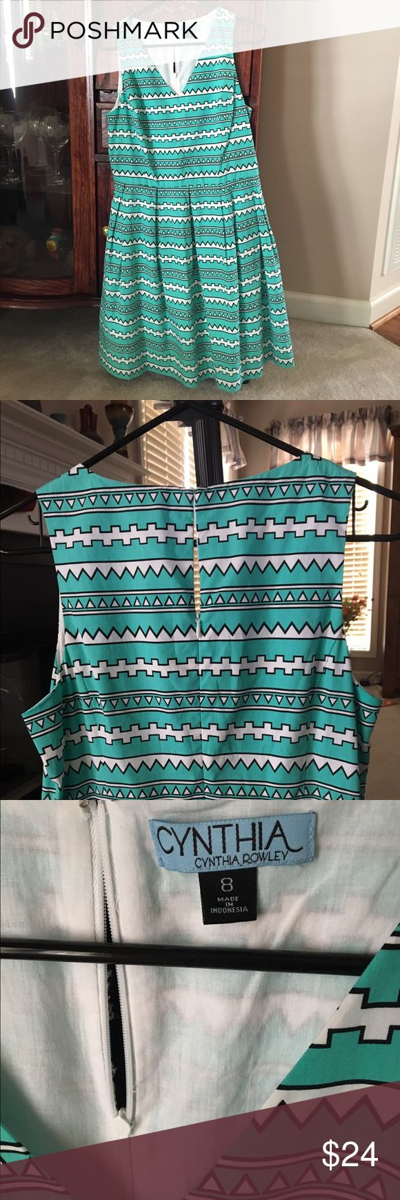 Cynthia Rowley Dress Green and white with black Aztec pattern. Zips up the back. Has a liner. Dress is cotton. Excellent condition! Cynthia Rowley Dresses Midi