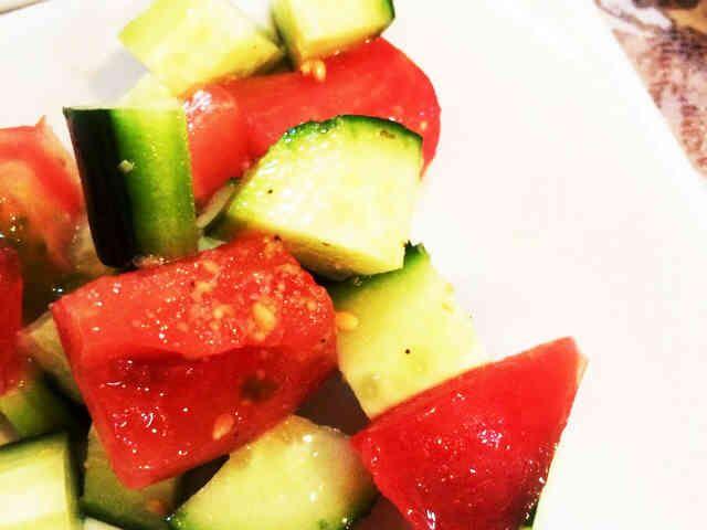ゴマ香る♪胡瓜とトマトのころころサラダの画像