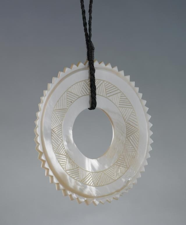 Object: Necklace | Collections Online - Museum of New Zealand Te Papa Tongarewa