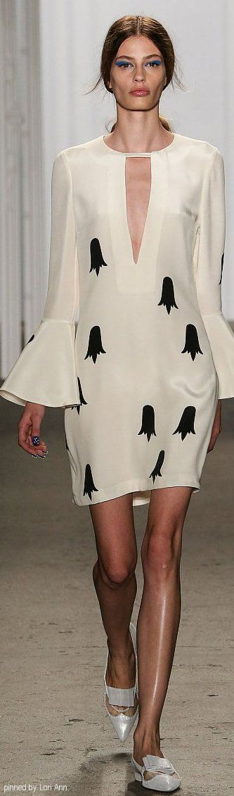 Honor Spring 2015 RTW- Love the sleeves. In my future collection... Every sleeve looks like this.