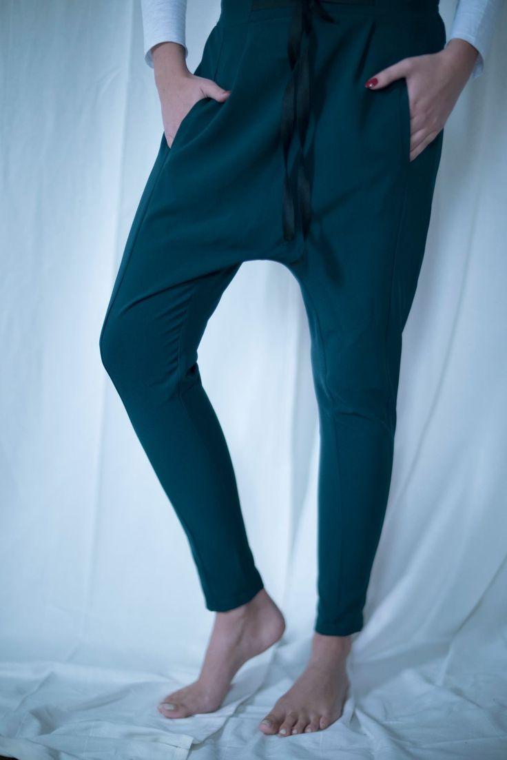 Ekskluzywne spodnie z lejącego materiału. Spodnie z obniżonym krokiem.  💣💣💣  Exclusive trousers with pouring material. Pants with a reduced step.  ⭐️⭐️⭐️