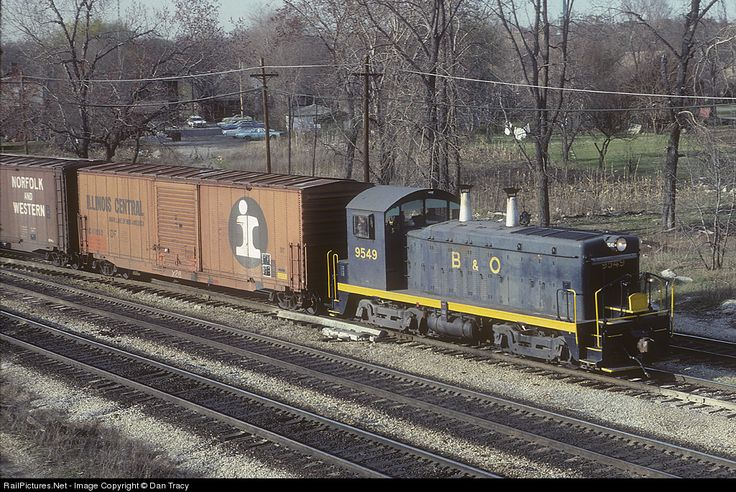 RailPictures.Net Photo: BO 9549 Baltimore & Ohio (B&O) EMD NW2 at Blue Island, Illinois by Dan Tracy