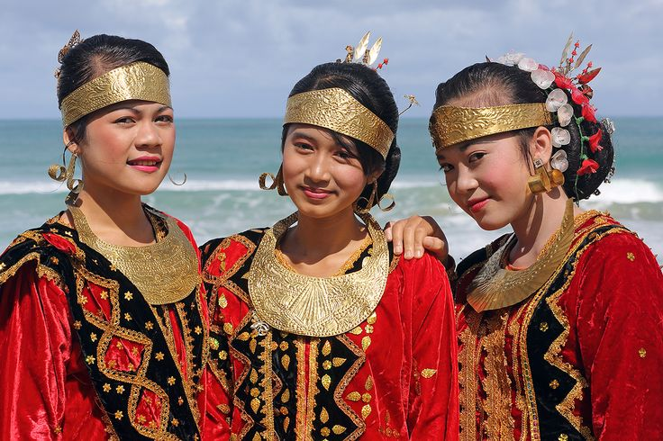 Girls in traditional dress during a ceremony in Afulu. North Nias Regency, Nias Island, Indonesia. Photo by Bjorn Svensson. www.northniastourism.com