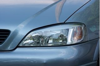 How to Clean Your Car Headlights (with Pictures)