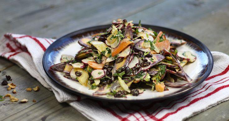 Cette recettesuper simple est inspirée de la traditionnelle salade de carottes et raisins secs. Je voulais proposer une version amusante et colorée qui reflète bien ma personnalité en cuisine. Cette salade est idéale pour accompagner un sandwich ou vous pouvez tout simplement la déguster en... Voir la suite