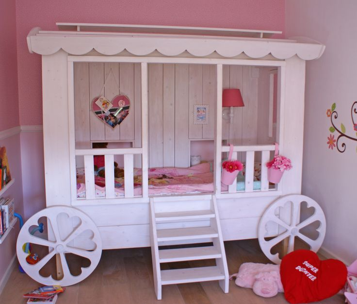 "very nice girls bed, looks like a gipsy travellers car or caravan. design and handmade by ""HANS"" (www.hansknepper.nl)"
