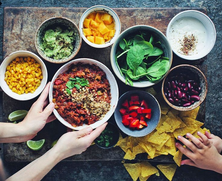8 Instagram accounts to follow for vegan food inspiration when you're in a family meal planning rut | Inhabitots