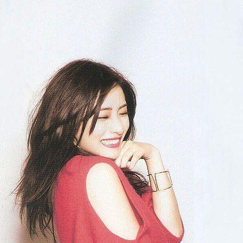 """石原さとみ on Instagram: """"赤が似合うね #石原さとみ#かわいい#girl#red"""""""