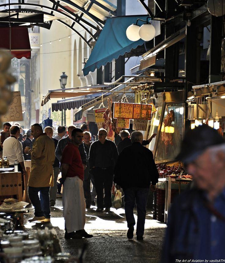 Η Θεσσαλονίκη της καρδιάς μας. Η πόλη ξυπνά ελάτε να χαθούμε στα στενά δρομάκια της αγοράς.