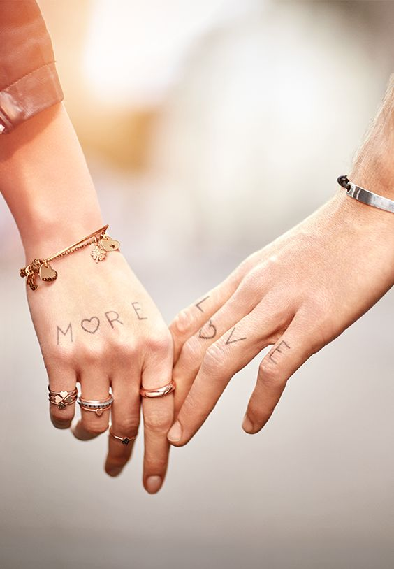 #MoreLove, More Dodo… Because there's never enough! Discover the new contemporary and unisex jewels.