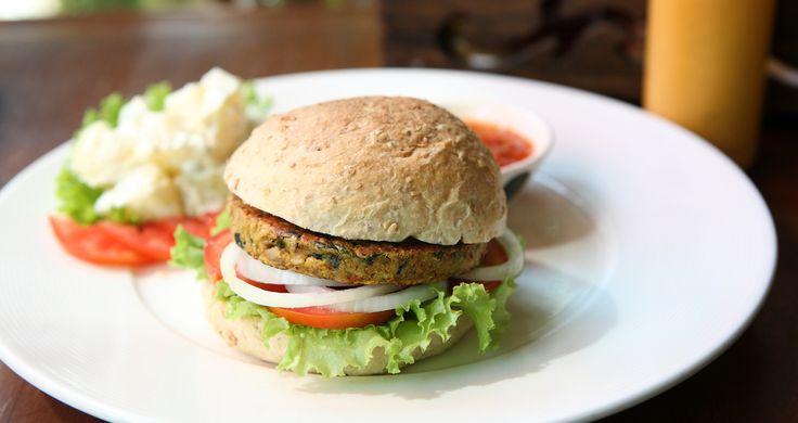 Lanches feitos de legumes, cogumelos e até grão-de-bico; veja opções sem carne
