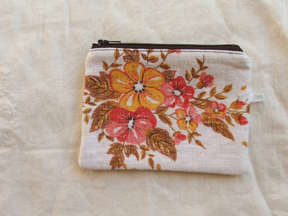Vintage fabric coin purse by Tiny Happy #handmade #purse