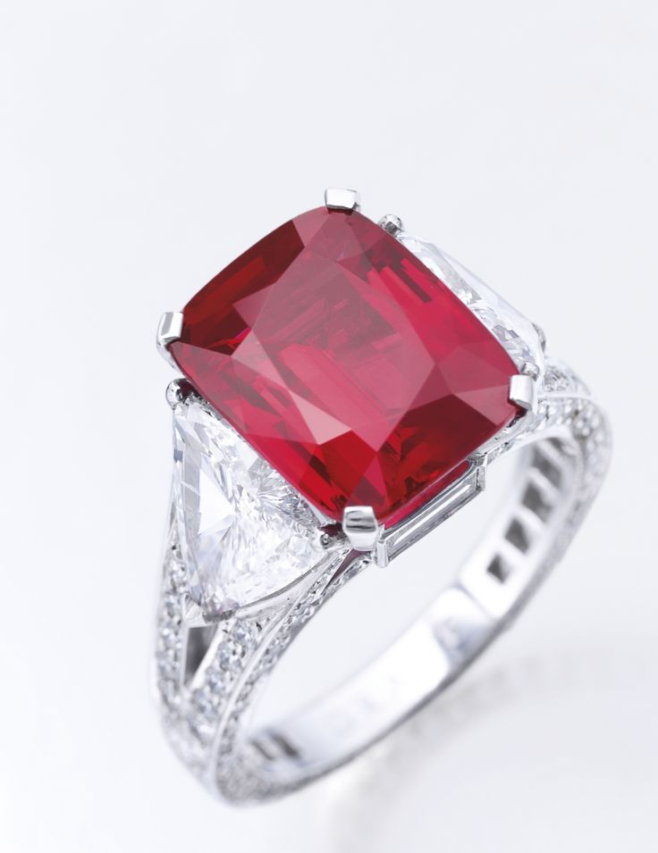 The Graff Ruby, 8.62 carats: Burmese origin, with no indications of heat