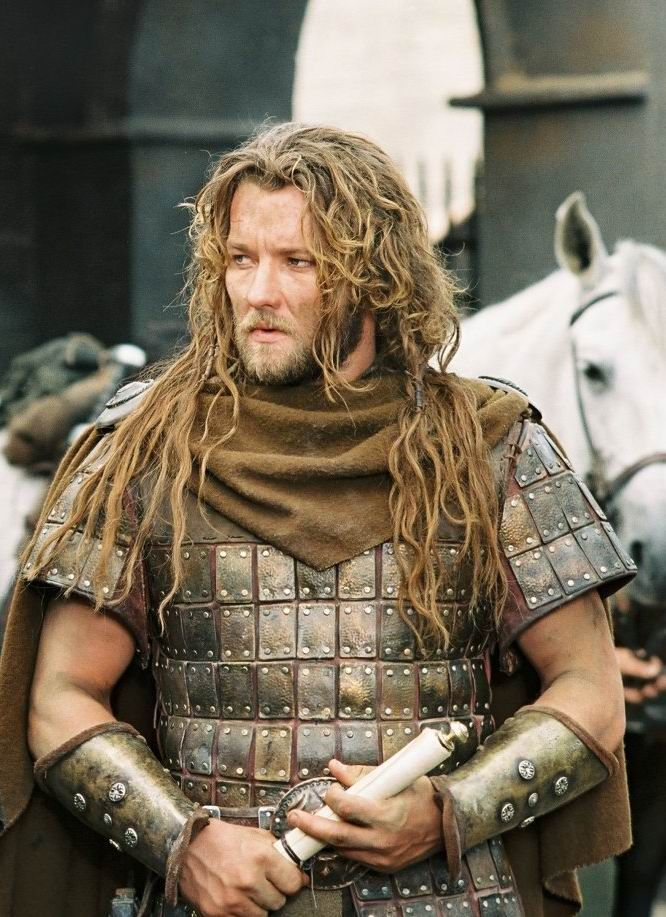 Gawain played by Joel Edgerton in 2004's King Arthur. So Beautiful.