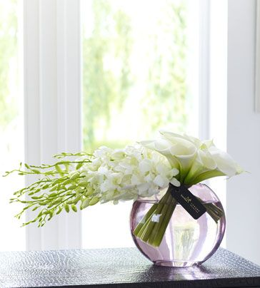 flower arrangements with Cala lilies and dendrobium orchids | ... Flowers - Modern flowers - Luxury Cala lilies and Phalaenopsis Orchid Vase