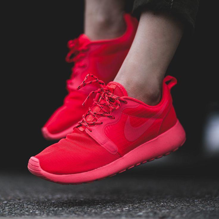 f75d9249366e2 womens nike roshe run hyp red