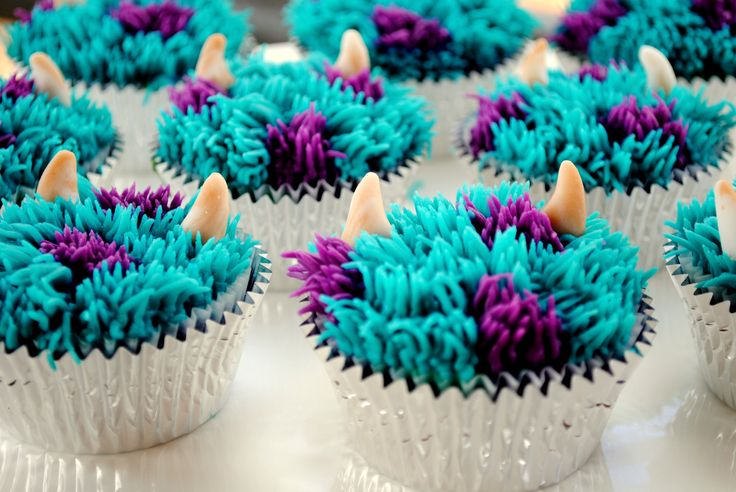 Monsters Inc - Monsters University Cake - Sulley Cupcakes