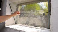 Wer den Keller bei Hitze lüftet, erhöht die Schimmelgefahr. (Quelle: imago/Niehoff)