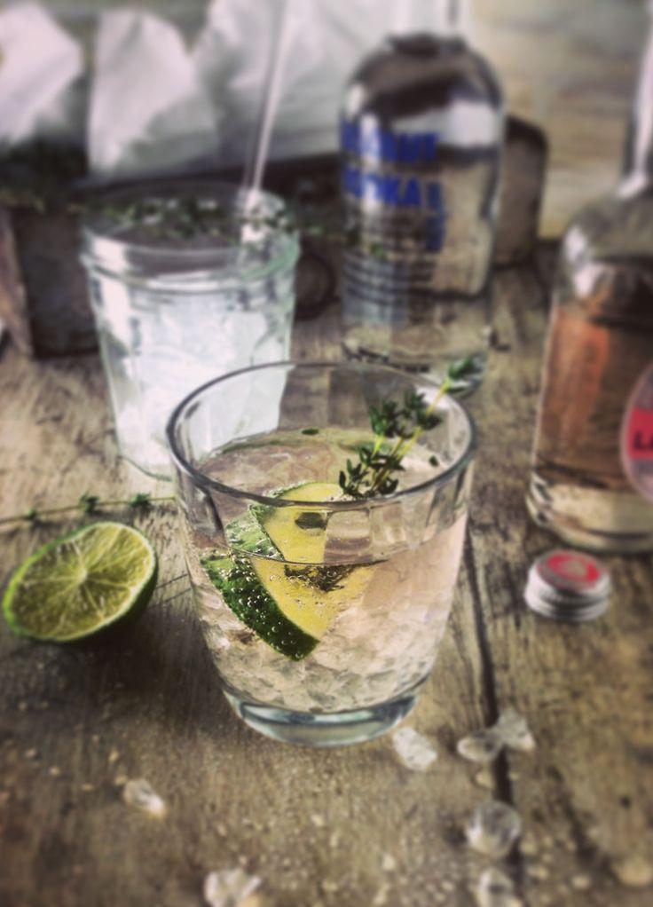 Absolut Rose //  Vodka, Rose Lemonade, Lime, LemonThym // #feinkoch #longdrink