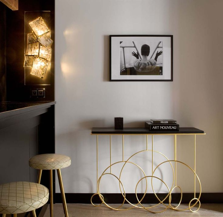 console, bar, brass hokers, brass stools, Goossens Paris, wall lamp, applique, Hubert Le Gall, Sonate console, black and white, noir et blanc, bronze doree, gold guilded bronze we do design.pl - Lifestyle Interior Design : Paris St Honore