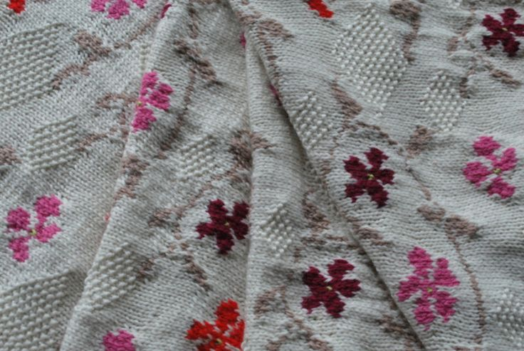 Vinca wrap hand knitted in merino wool www.sashakagan.co.uk sasha@sashakagan.co.uk