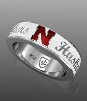 http://www.collegiatejewel.com/jewelry/media/catalog/product/cache/1/image/9df78eab33525d08d6e5fb8d27136e95/n/e/nebraska-ring-white-big.jpg