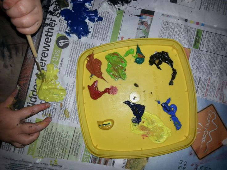 Plaster painting at a Creative party