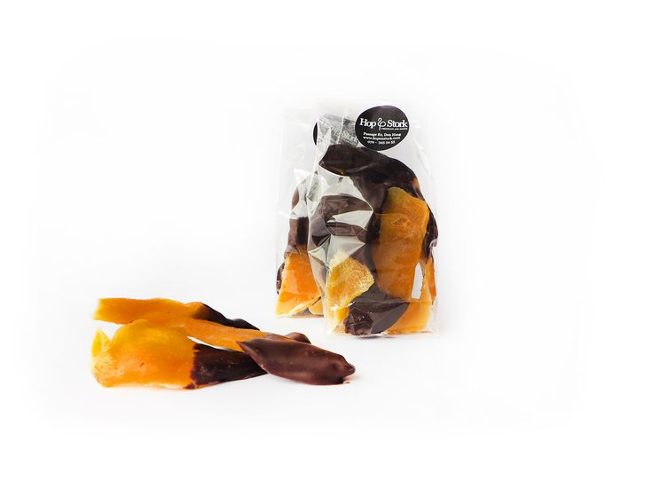 Mangoslices gechocolateerd http://hopenstork.com/product/mangoslices-gechocolateerd/