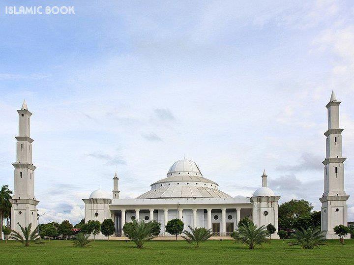Beautiful view of Bengkulu Grand Masjid, Indonesia