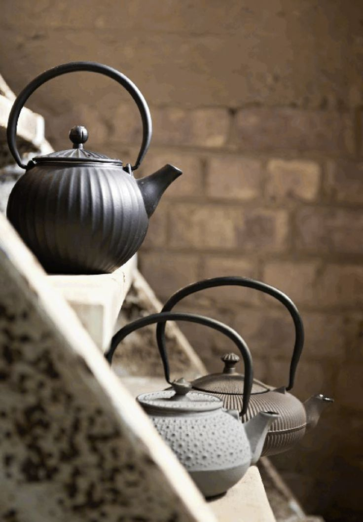 Iron tea pots   Probably just for cooking water, not for making TEA   re-pin by http://www.cupkes.com/