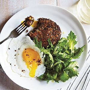 i just made this and it was so easy and delicious.  Black bean cakes with mixed greens and eggs :)