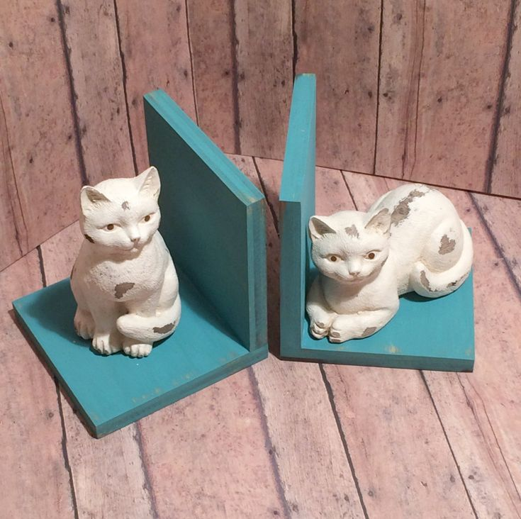 Cat Set of Bookends Available in a Variety от robinseggvintageNC