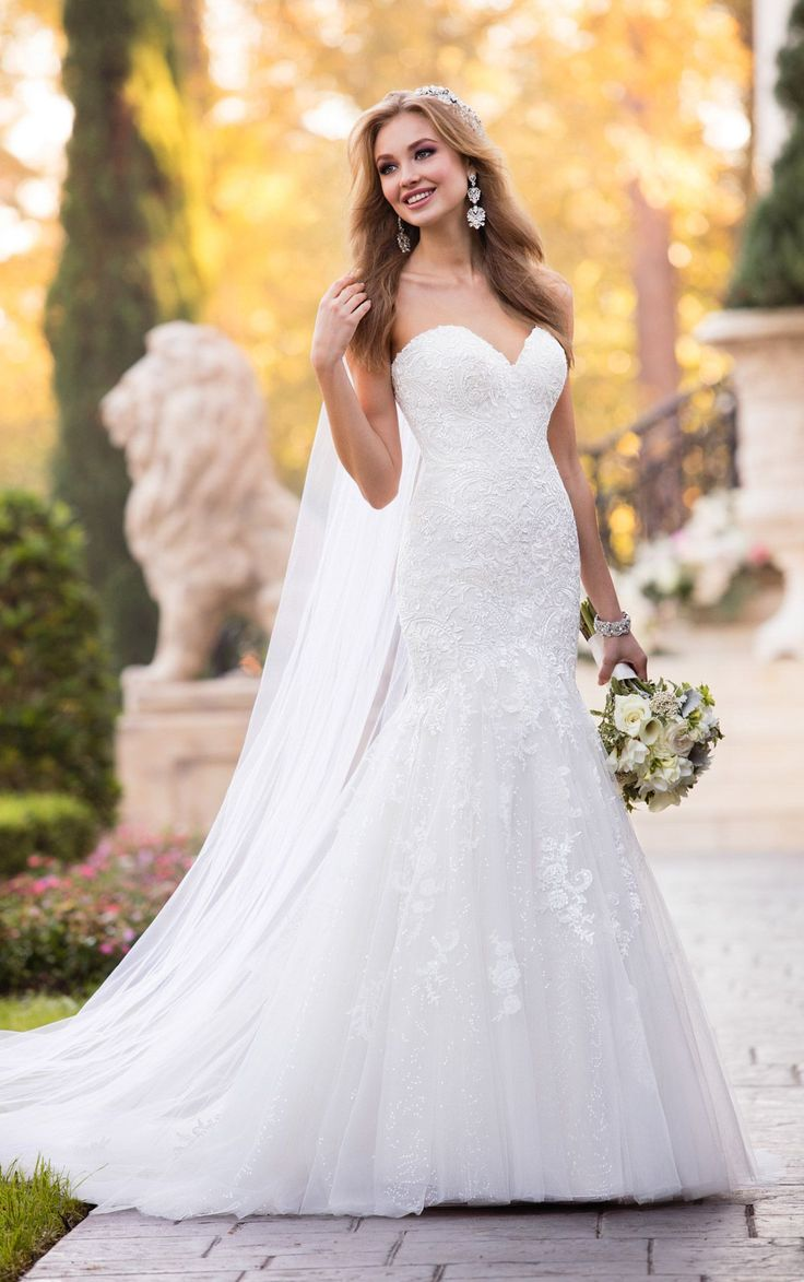 New Bridal Gown Available at Ella Park Bridal | Newburgh, IN | 812.853.1800 | Stella York - Style 6470