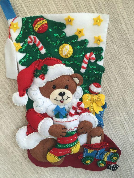 Oso de peluche Santa completado media por GrandmasStitchings