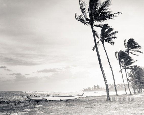 24 Euros ETSY Art hawaiien, Photographie noir et blanc, Art Beach, palmier, Rive-Nord, Oahu, Surf Decor, pirogue - « Haleiwa »