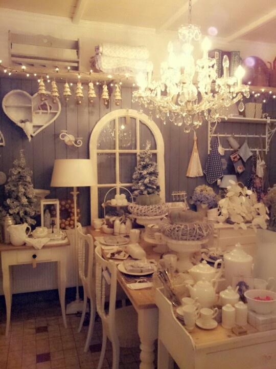 Brocante winkel in een mooie kerst sfeer