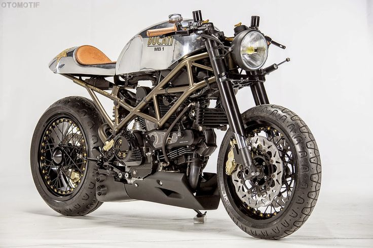 IL DUCATISTA: Ducati Monster 1000 Cafe Racer project by OTOMOTIF.